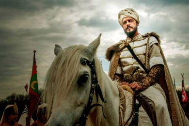 الأمير مصطفي هو ابن السلطانة .........