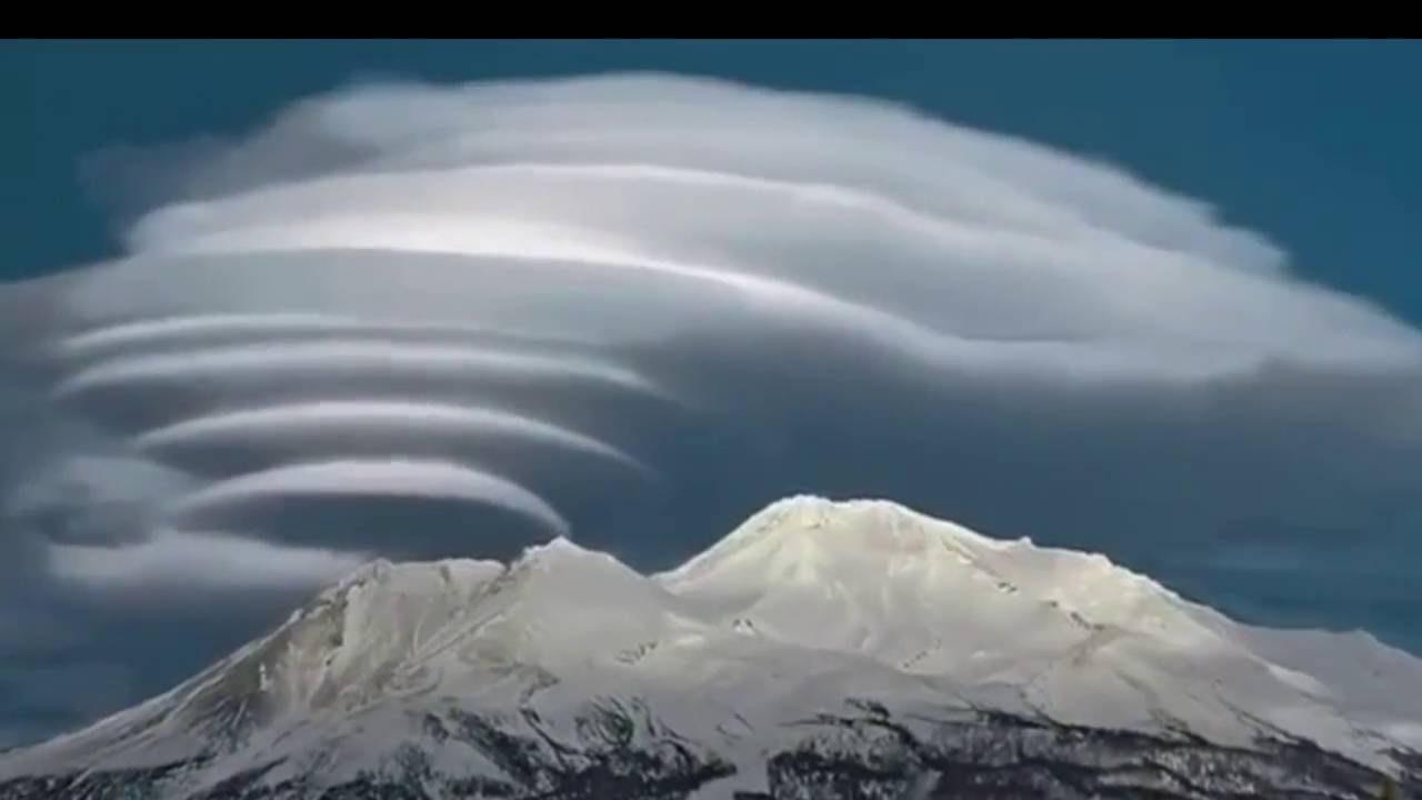 قطرات مائية عالية في الهواء ويحدث نتيجة تكاثف بخار الماء قرب سطح الأرض وكلما زاد البخار زاد وجود هذه الظاهرة .تسمى .....