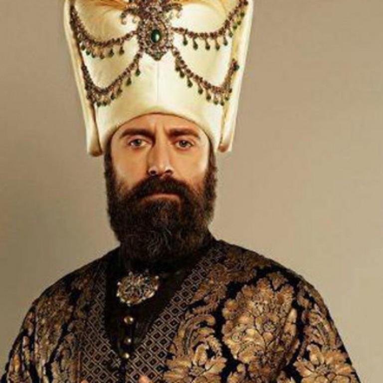 ما هو لقب ملك العرب