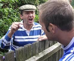ماذا تفعل إذا كان هناك جيران لك مزعجون وغير متعاونون معك ؟